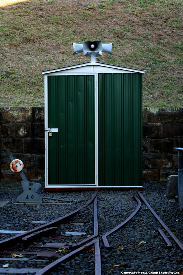 Atanas Djonov & Allan Giddy – Light House Shed -Regent CN15141RK 1.52m x 1.44m x 1.95m Colorbond Cottage Green