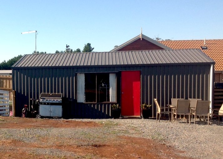 small living - garden shed home