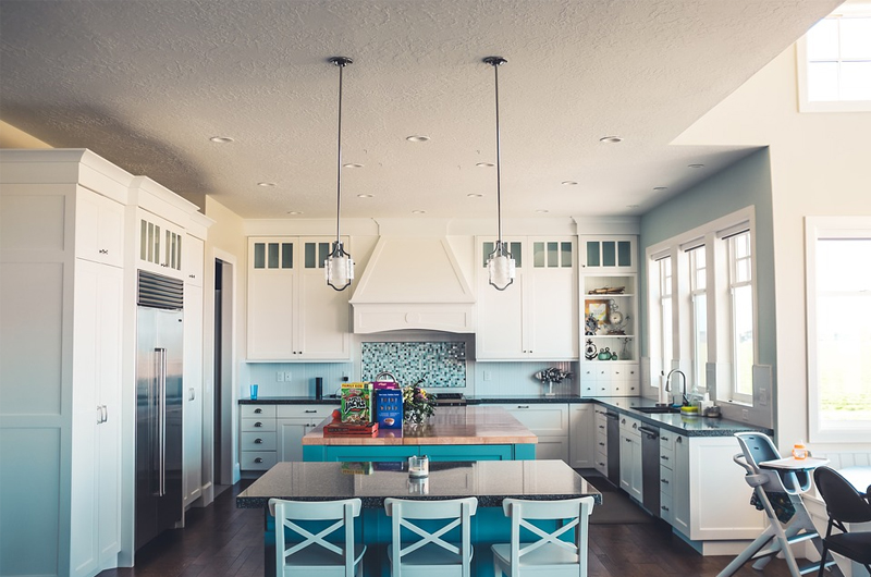 Transitional Home- kitchen