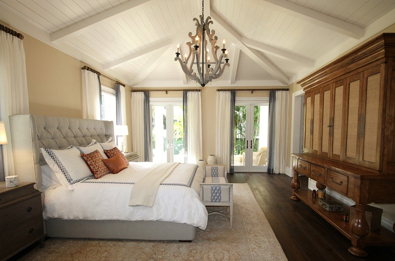 Transitional Home - bedroom
