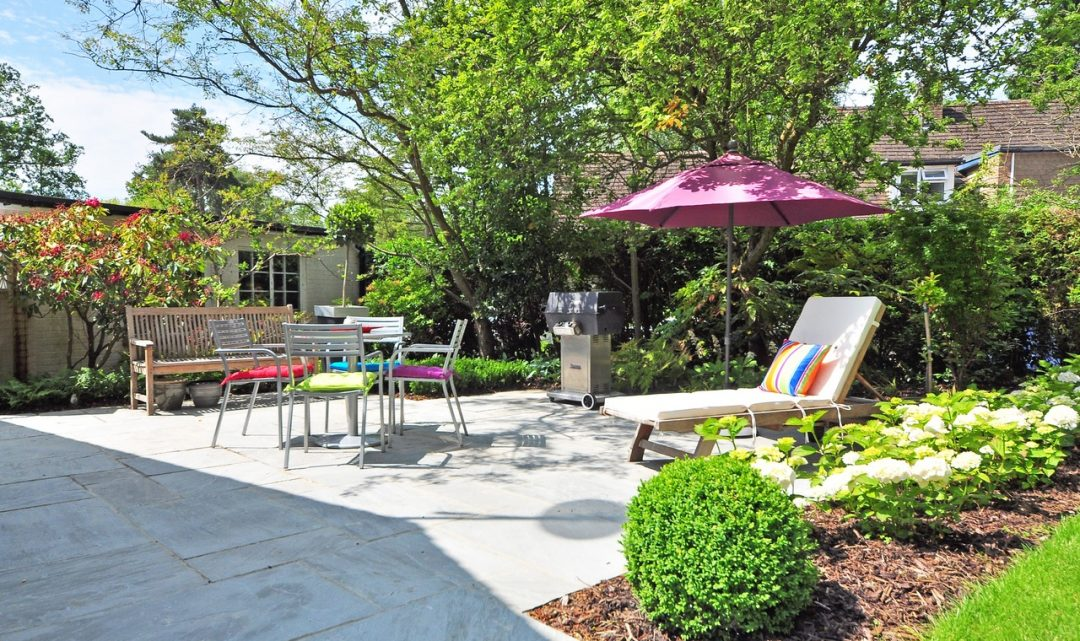 Inexpensive Ways to Make Your Backyard Look Great & Well-Manicured